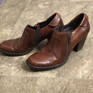 Born brown leather booties, 9